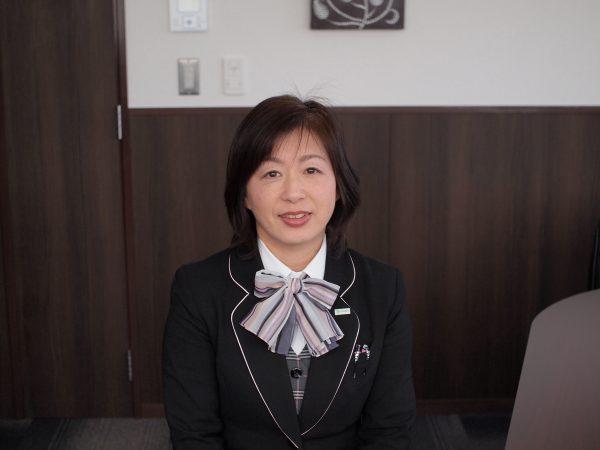 専務取締役 依田 さゆり