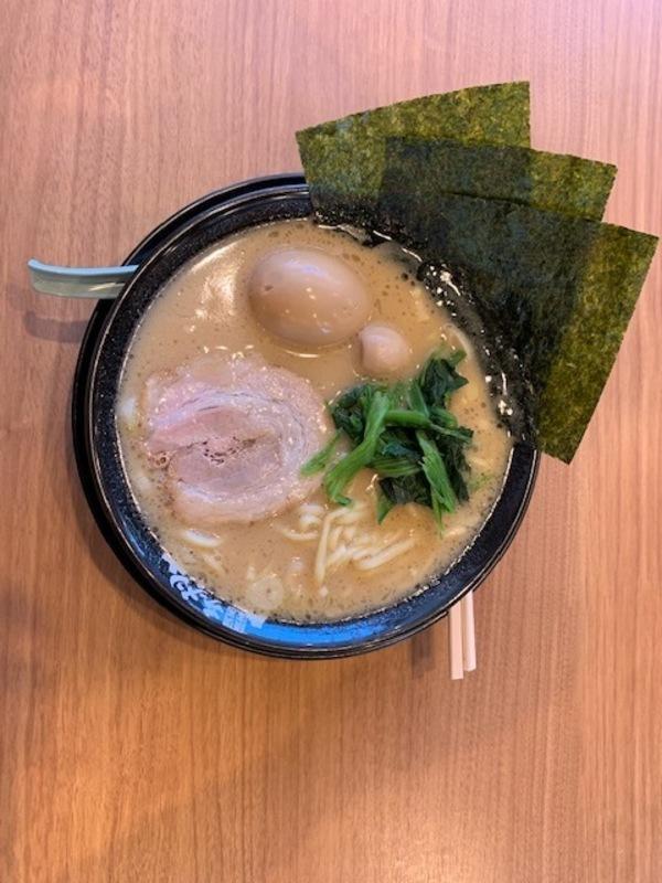 家系ラーメン 町田商店